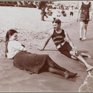 Tesla mit Seejungfrau.